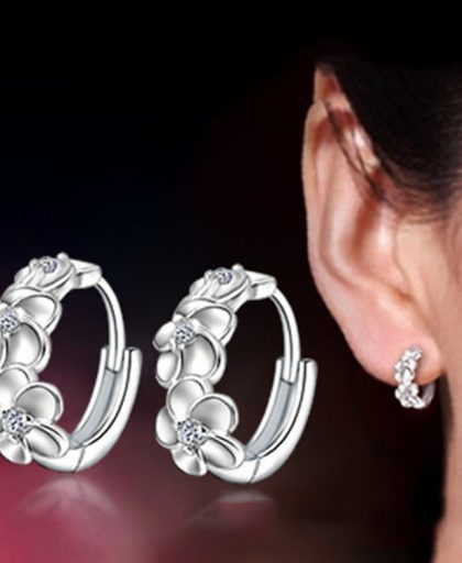 Woven Flowers Shape Hoop Earrings
