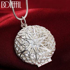 Round Frame Pendant Necklace